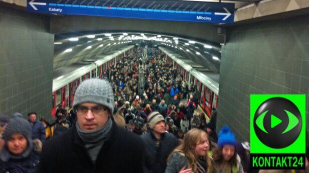 Tłum na stacji Wierzbno Kontakt24