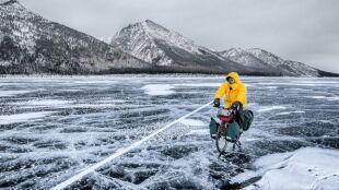 Rowerem przez zamarznięty Bajkał