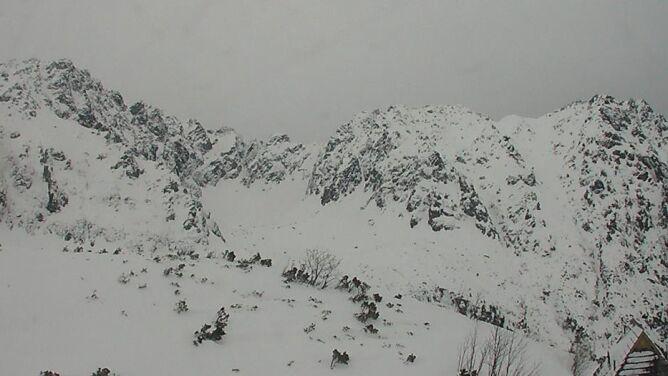 """W Tatrach lawinowa """"trójka"""", Bieszczady i Karkonosze z """"dwójką"""". """"Śnieg jest grząski"""""""