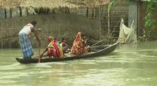 Zalane tereny stanu Asam w Indiach